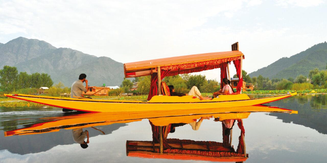 1-Shikara-Ride-in-Dal-Lake - Best Travel Blogs