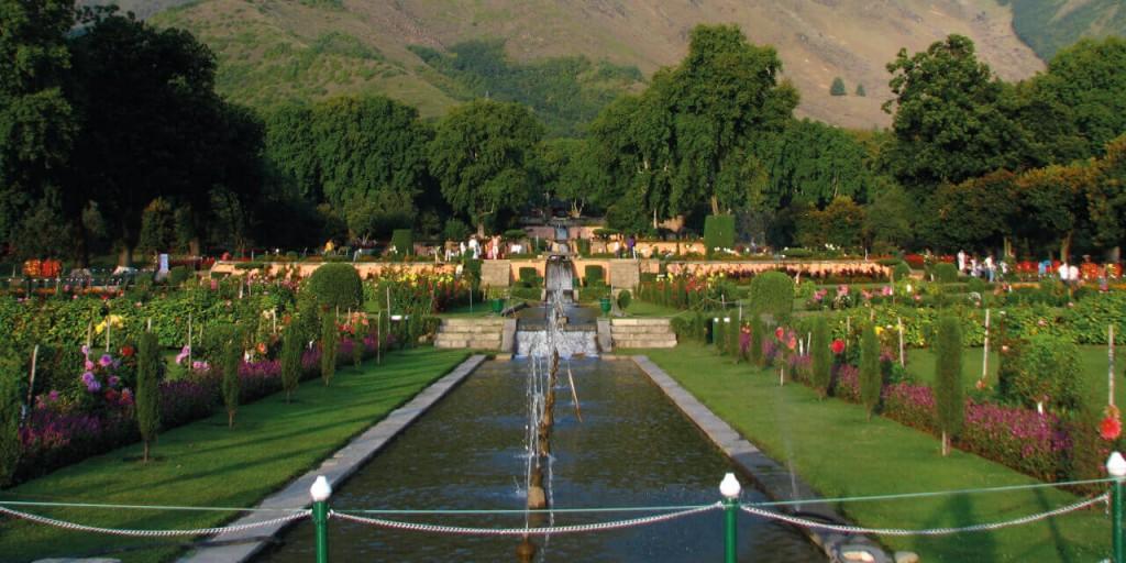 Shalimar Bagh | Kashmir Tour Kesari tours