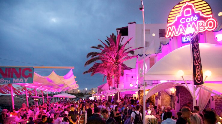 2.Cafe-Mambo-Sunset dining