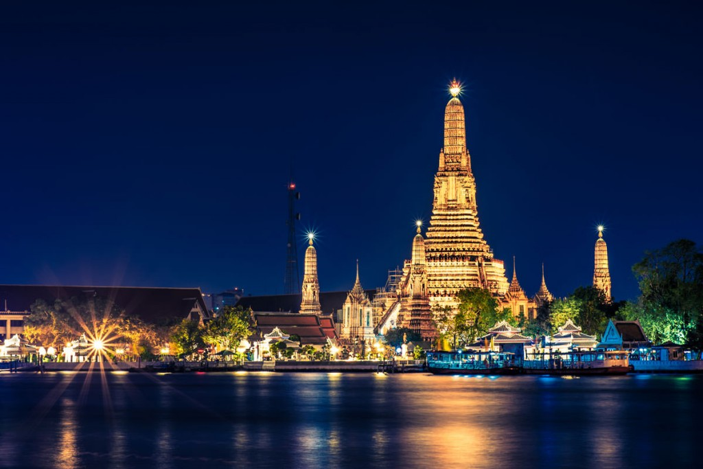 Dinner Cruises on the Chao Praya River