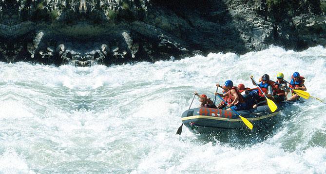 Kesari-Tours-Bhote Koshi river