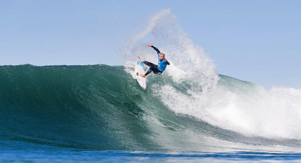 Kesari-Tours-Surfing-in-Jeffreys-Bay