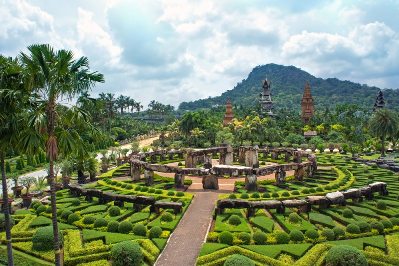 Kesari tours Charming Nong Nooch village