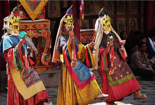 Kesari-Tours-grand-celebration