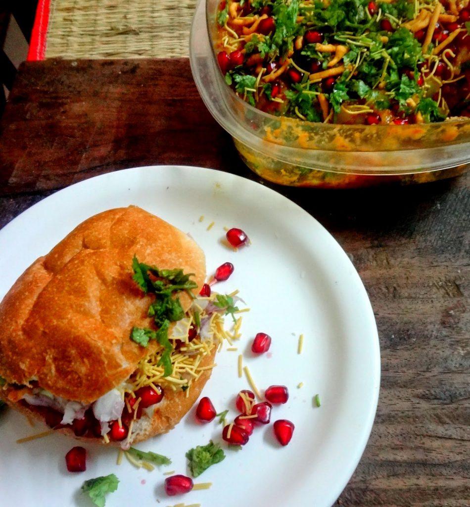 Kutchi Food - Dabeli - Kesari Tours