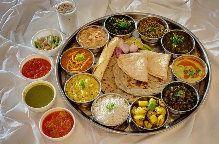 Kutchi Food - Thali - Kesari Tours