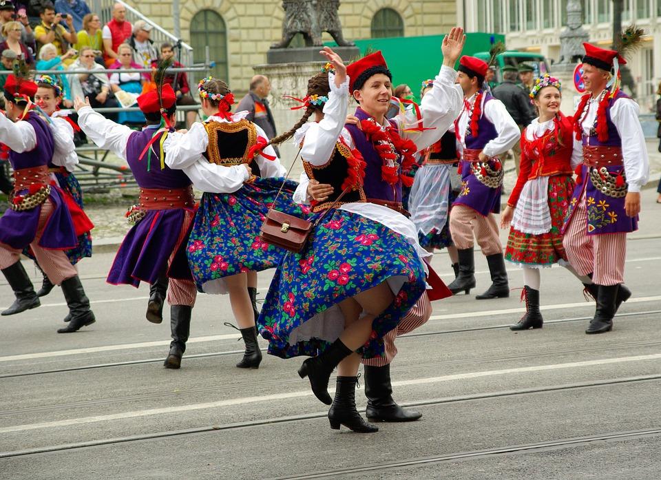oktoberfest -parade - kesari tours
