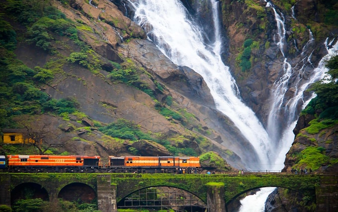 Dudhsagar-Falls-kesari-tours-best-waterfall-in-india | Top 5 Waterfalls in India