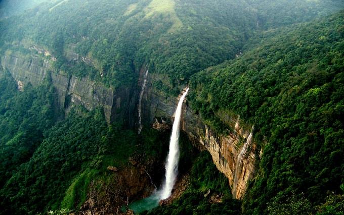 Nohkalikai Falls-kesari-tours