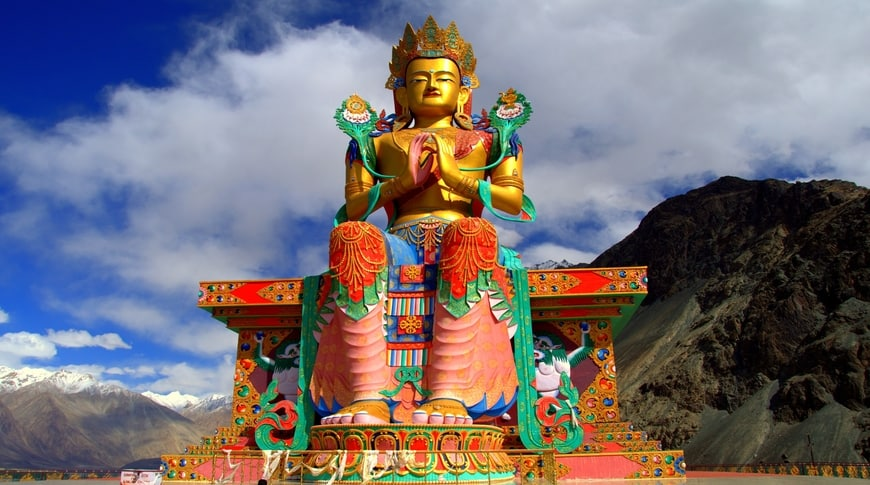 Ladakh Kesari Tours| best places to visit in monsoon
